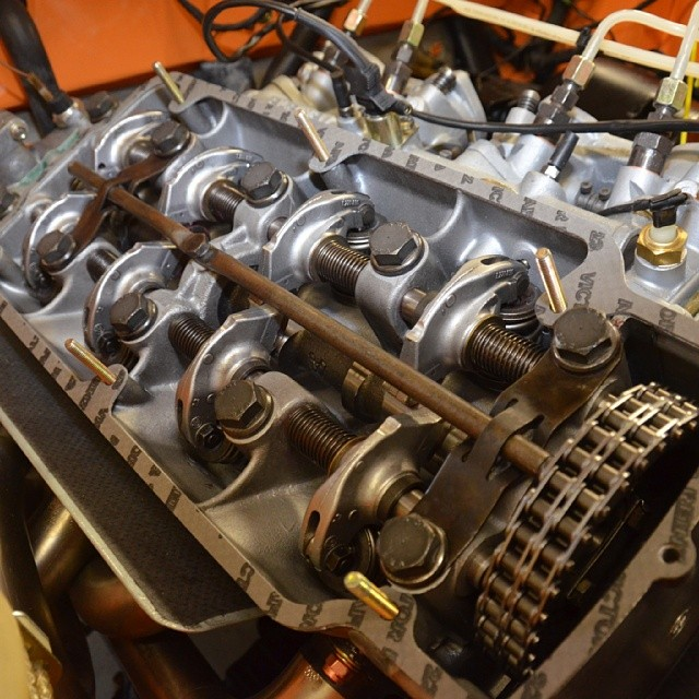 Nice shot of the rebuilt engine getting closer to having it running!! #bmw #bmw2002 #bmwclassic #m10 #engine #alpina #rare #cam #cammed #bmwrestoration #2002tii #tii #bmwgram #bimmergram #carlook #awesome #badass #cars #carporn #sportscarrestoration #thecarlife