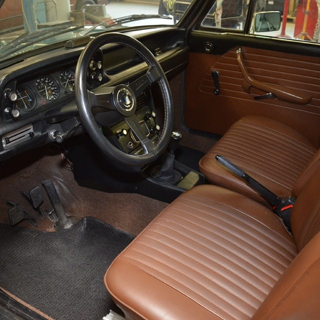 Custom leather 2002 interior detailed! So clean! #bmw #bmw2002 #2002 #bmwclassic #bmwrestoration #bmwcustom #custom #leather #interior #euro #eurogram #cars #carporn #sportscarrestoration #thecarlife