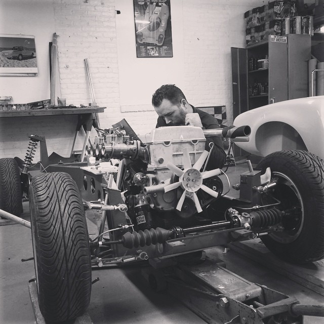 We reintroduced the fully rebuilt 1600 engine to the S1 Elan chassis this week.  #sportscarrestoration #scr