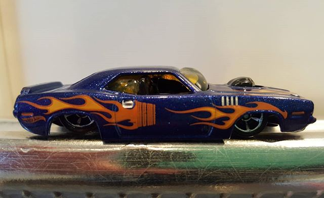 Melted Hot Wheels car found beneath broiler at Air Bnb in Montreal. She is slammed to the ground.