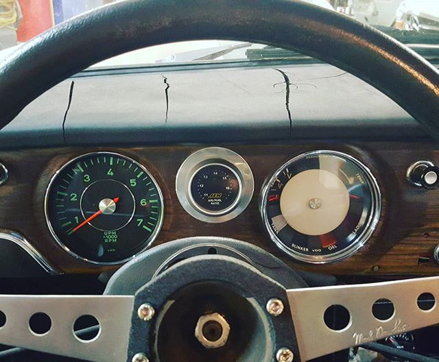Aged 1800 dash with Porsche tach recently serviced and backdated by @seattlespeedometer